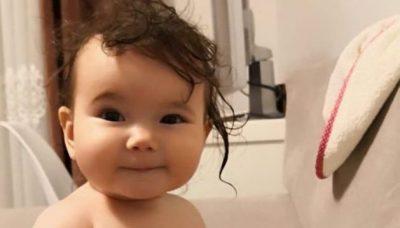 RELAKSON DHE…/ 4 arsyet pse duhet tu krihni gjithmonë flokët fëmijëve