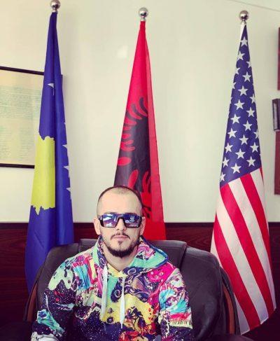 """""""DUA TË BËHEM BABA""""/ Reperi i njohur shqiptar e pranon publikisht (VIDEO)"""