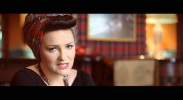 NUK E PRISNIM/ Këngëtari i njohur shqiptar zbulon lidhjen me Marsela Çibukajn (FOTO)
