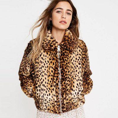 NË SEZONIN QË PO LËMË PAS/ Kush ishin llojet e palltove me print leopardi më të preferuara (FOTO)