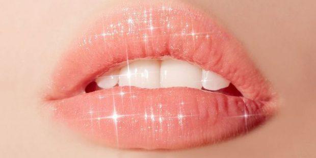 NË SHTËPI/ Ja si ti bësh buzët të duken më të plota (FOTO)