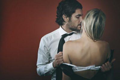MANUALI I NJË PROSTITUE/ Ja stilet që preferojnë më shumë meshkujt në SEKS