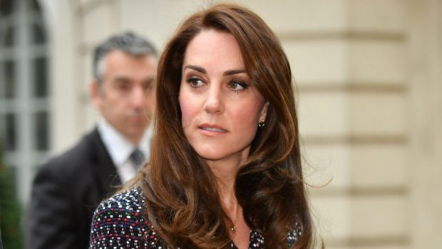 PA FJALË/ Kate Middleton shkëlqen në ceremoninë e çmimeve Bafta dhe duket përrallore
