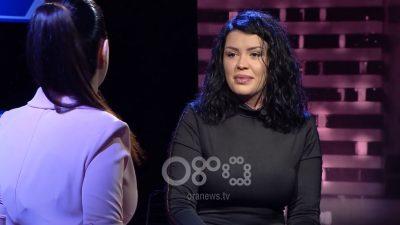 """""""NUK VEÇOJ ASNJË""""/ Mosha e mbajti larg kolegëve, Greta Koçi nuk ka asnjë… (VIDEO)"""