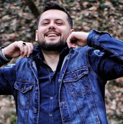 FUNDJAVA I DEDIKOHET FAMILJES/ Aktori i njohur i humorit publikon foton e ëmbël