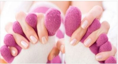 Pse gratë i kanë më shpesh se burrat duart dhe këmbët e ftohta? Ja arsyeja