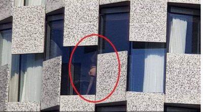 U BË VIRALE PAK DITË MË PARË/ Kush është vajza sexy që u fotografua e zhveshur në majë të hotelit (FOTO)