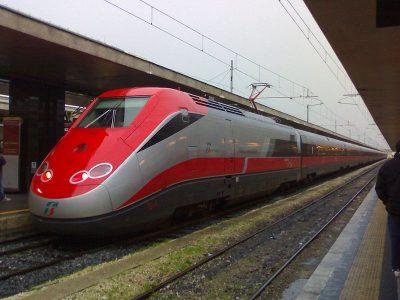 """PËRPLASET NË UDHËTIMIN E PARË/ """"Dështon"""" treni më i shpejtë në botë"""