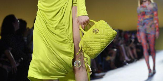 DASHURI ME SHIKIM TË PARË/ Çantat më të mira nga java e modës në Milano (FOTO)