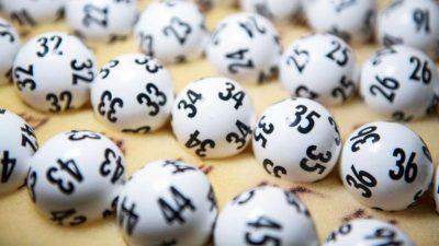 """""""STRATEGJIA EFIKASE""""/ Fiton dy herë lotarinë duke përdorur datën e vdekjes së mamasë"""