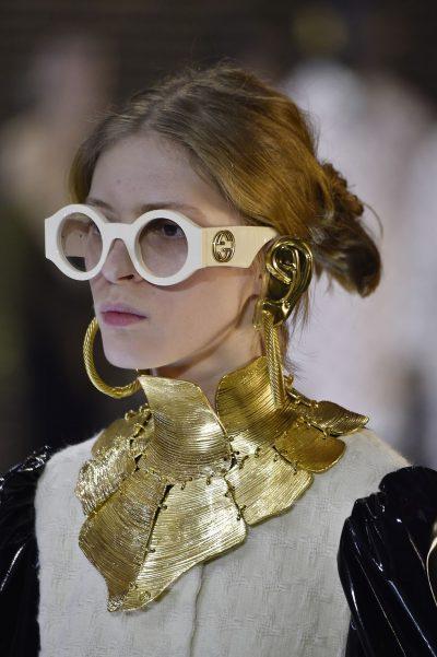 JAVA E MODËS NË MILANO/ Njihuni me trendet e aksesorëve. Nga syzet me përmasa të mëdha tek… (FOTO)
