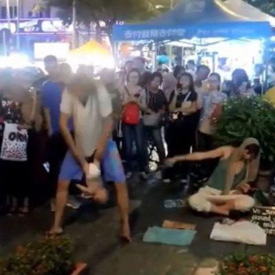 MIZORE/ Prindërit përdorin foshnjën për numra akrobatik në rrugë (VIDEO)
