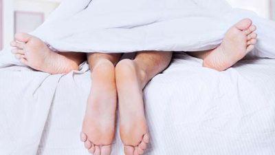PO E BËNI GABIM! Shmangni këtë gjë në shtrat, për të pasur përvoja më të mira seksuale