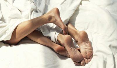 I DINIT? Meshkujt tregojnë pozicionet që i ndihmojnë të rezistojnë më shumë në shtrat