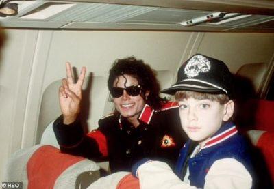 """""""MË KËRKONTE SEKS ORAL DHE…""""/ Dëshmitë drithëruese gjatë dokumentarit për Michael Jackson (VIDEO+FOTO)"""