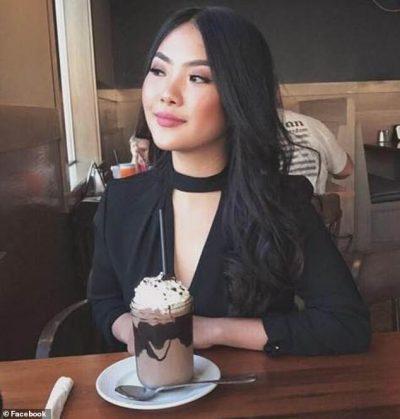 E NJOHU NË AVION/ Vajza 21 vjeçare kërkon e dëshpëruar për të panjohurin