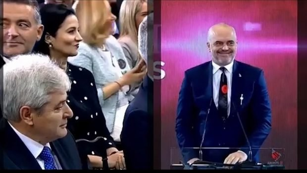 """VIDEO EPIKE E RAMËS/ I thanë """"të dua"""" publikisht. Kush u bë """"xheloze"""" për Kryeministrin?"""