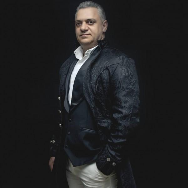 U KAP NGA POLICIA DHE U BURGOS NË AMERIKË/ Këngëtari shqiptar tregon për herë të parë historinë