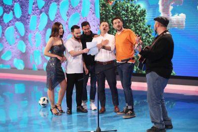 SI IA BËRI ZEMRA/ Këngëtari shqiptar zgjedh vjehrrën para nënës për këtë arsye (FOTO)