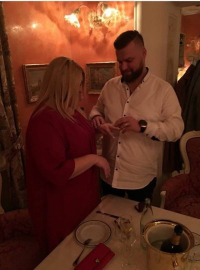 """""""NDIHEM BOSH""""/ Këngëtari shqiptar flet për ndarjen nga e fejuara (FOTO+VIDEO)"""