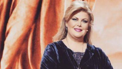 SIÇ NUK E KEMI PARË/ Eni Çobani këndon për herë të parë në publik (FOTO)