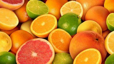 """""""JU MBUSHIN ME ENERGJI""""/ 4 përfitimet surprizuese që merrni sa herë hani qitro, portokaj ose limona"""