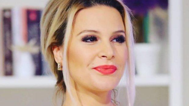 HABIT ME VESHJEN NË EMISION/ Rudina Magjistari: E kisha me dyshim ta vishja apo jo  (FOTOT)