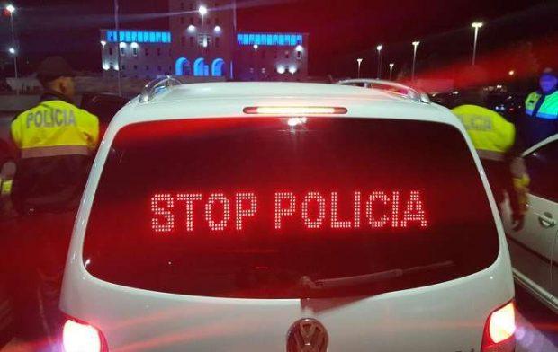 30 POLICA I ZUNË RRUGËN/ Këngëtari shqiptar i revoltuar: Sikur kisha vrarë një njeri
