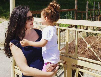 """""""MË E DHIMBSUR SE JETA""""/ Elisa Spiropali bën dedikimin e veçantë për ditëlindjen e vajzës"""