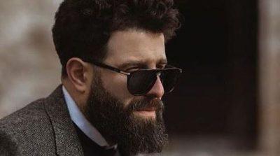 HARROJENI REPER/ Mc Kresha filmohet duke shitur qofte në mes të qytetit (VIDEO)