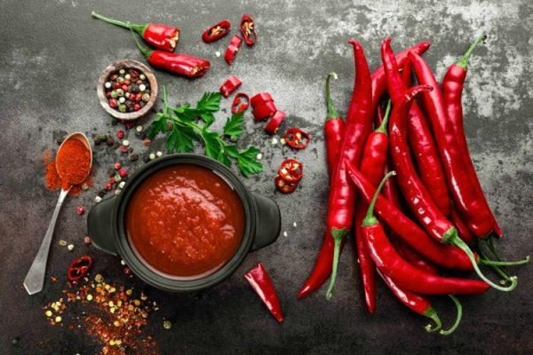 UL DEPRESIONIN DHE…/ Si ndikojnë ushqimet djegëse në organizmin tënd
