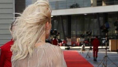 DY JAVË PAS NDARJES/ Këngëtarja  shqiptare kthehet me ish-të dashurin (FOTO)