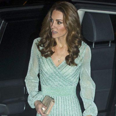 """I MAHNITSHËM/ Fustani """"metalik"""" i Kate Middletonit qe po i çmend të gjithë (FOTO)"""
