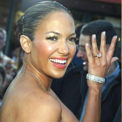 NDËR VITE/ Unazat e fejesës që Jennifer Lopez mori nga partnerë të ndryshëm
