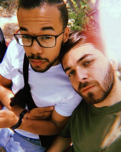 PAS MARTESËS GAY/ Moderatori shqiptar bën postimin e parë nga vera e 2018-s. Ja ku ndodhet