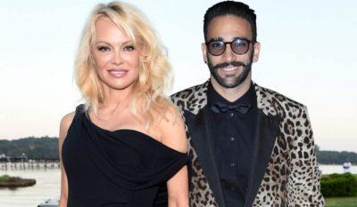 DUKEN TË LUMTUR/ Pamela Anderson ribashkohet me të dashurin 18 vite më të ri
