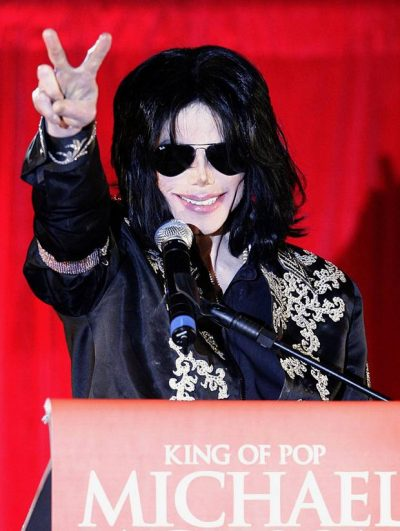 """""""NDIHEM KEQ…""""/ Interneti mërzitet me aktoren e famshme pas deklaratës që bëri për Michael Jackson"""