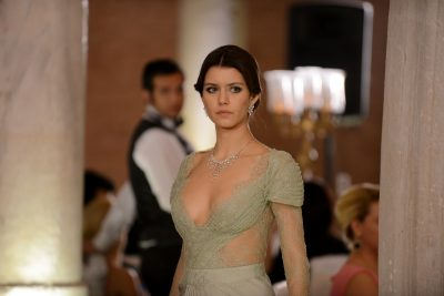 MARTESË QË PO PËRFUNDON NË DIVORC/ Publikohet data kur do ndahet aktorja e njohur turke nga bashkëshorti