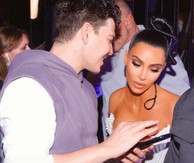 E TREGOI VETË/ Grimieri shqiptar dika çdo centimetër të shtëpisë Kim Kardashian