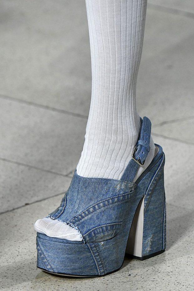 JAVA E MODËS NË PARIS/ Modelet më trendi të këpucëve, sandaleve e çizmeve (FOTO)