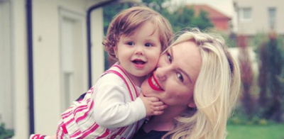 TALENT SI MAMI DHE BABI/ Liani i Vesës është këngëtari më yll i momentit (FOTO)