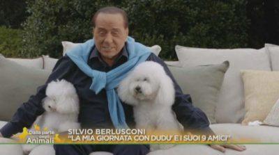 """""""FLENË ME MUA DHE…""""/ Silvio Berlusconi rrëfen dashurinë e madhe për… qentë e tij"""