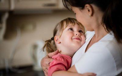 PARA SE TË RRITET/ Ja  10 gjërat që duhet t'i thoni vajzës tuaj