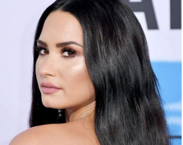 """""""JANË NJERËZ TOKSIKË""""/ Demi Lovato reagon ashpër për komentet rreth peshës së saj"""