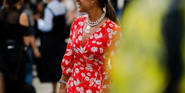 MËSOJINI TANI/ 4 mënyra si të bëjmë një fustan të vjetër të duket si një veshje e re