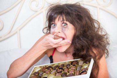 JU LËNË NATËN ME SYTË HAPUR/ 4 ushqimet që s'duhet t'i hani kurrë para gjumit