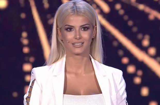 """BUKURI PLASTIKE""/ Marina Vjollca i kthehet fanses: Akoma ka… (FOTO)"