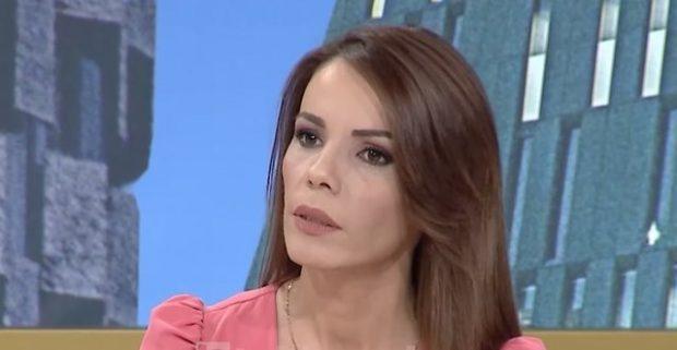 """""""NJERËZIT E EKRANIT JANË KAPRIÇOZË""""/ Gazetarja shqiptare rrëfen eksperiencën e vështirë (FOTO)"""