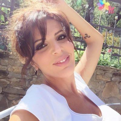 """""""SI MUNDA TË BËHEM E BUKUR""""/ Sonila Meço: Dikur isha si stekë bilardo, me syze, tela… (FOTO)"""