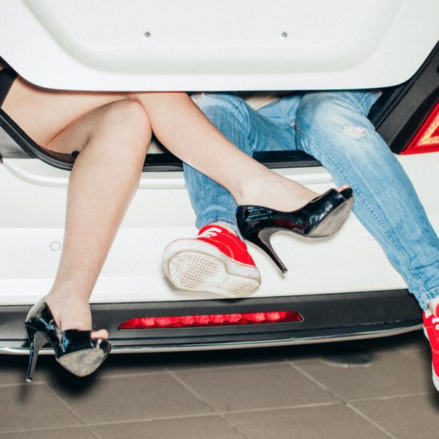 DO TË KËNAQENI/ Mësoni disa hile për seks të paparë në makinë